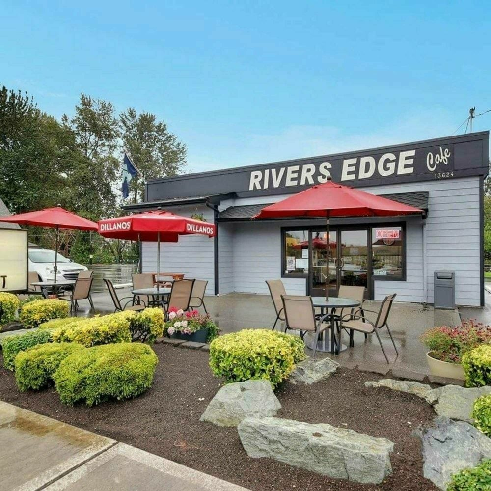 Rivers Edge Cafe Patio
